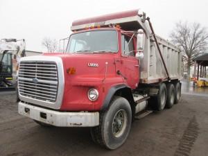1990 Ford L9000 Triaxle Dump Truck