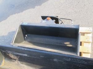 32 in. Hydraulic Tilt Excavator Bucket