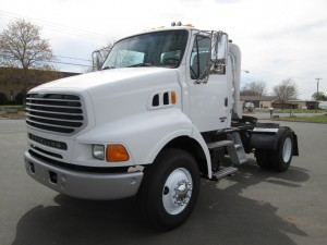 2004 Sterling L9500 Single Axle Tractor