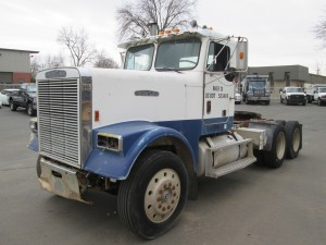 1988 Freightliner Tandem Axle Tractor