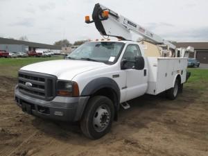 2005 Ford F-450 XL Super Duty Bucket Truck