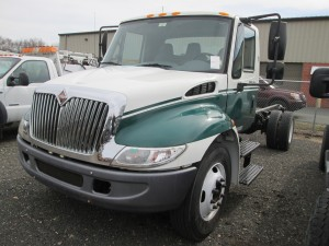 2002 International 4300 Cab and Chassis