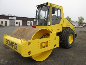 2001 Bomag BW213D-3 Smooth Drum Vibratory Roller