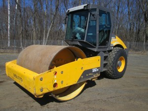 2009 Volvo SD122DX Smooth Drum Vibratory Roller