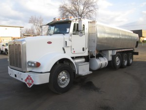 2008 Peterbilt 367 Triaxle Oil Truck
