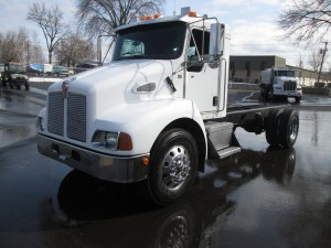 2005 Kenworth T300 Cab & Chassis