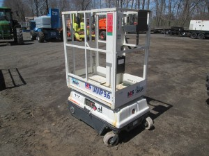 2009 Braviisol Electric Manlift