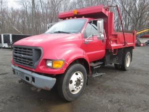 2000 Ford F-650 XL S/A Dump Truck