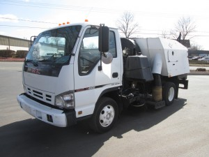 2007 GMC W4500 Cabover Sweeper/Vac Truck