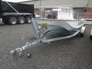 """1977 Boston Whaler 16' 6"""" Center Console Boat"""