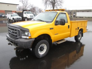 2004 Ford F-350 Utility Truck