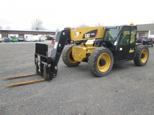 2013 Caterpillar TL943C Telescopic Forklift