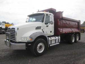 2013 Mack GU813 T/A Dump Truck