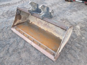 """Kubota 48"""" Cleanup Bucket With BOCE"""