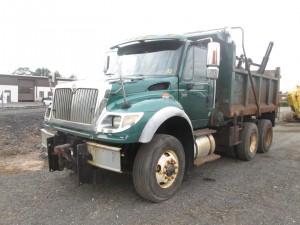 2007 International 7600 T/A Dump Truck