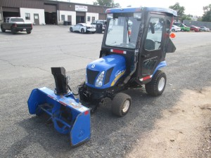 New Holland Boomer 1025 Tractor