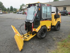 Trackless Vehicle Articulated Tractor
