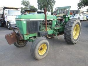 John Deere 2955 Tractor