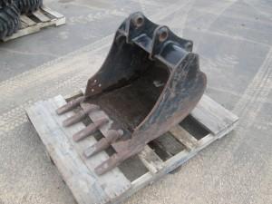 """CAT 24"""" Excavator Bucket With Teeth"""