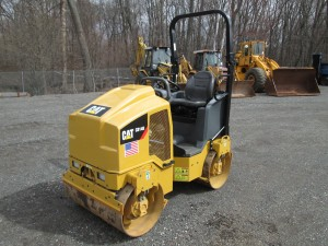 2015 Caterpillar CB14B Double Drum Roller