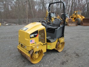 2017 Caterpillar CB14B Double Drum Roller