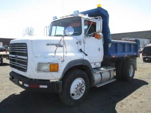 1993 Ford L9000 S/A Dump Truck