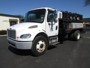 2005 Freightliner M2 S/A Lube Truck