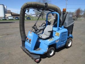 Tennant 4300 Ride On Vac Unit