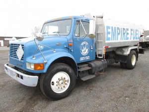 2000 International 4900 S/A Oil Truck