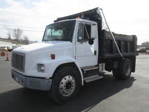 1999 Freightliner FL70 S/A Dump Truck