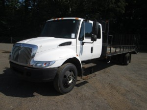 2003 International 4300 S/A Rack Body Truck