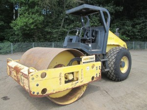 2005 Bomag BW211D-3 Smooth Drum Vibratory Roller
