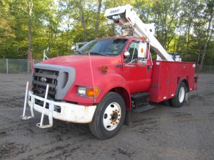 2004 Ford F-750 S/A Bucket Truck