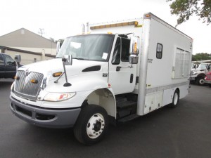 2009 International 4300 Curb Van/Service Truck