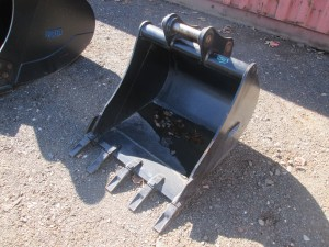 "Diesel 28"" Excavator Bucket"