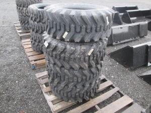 (4) Camso 12-16.5 Skid Steer Tires
