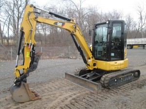 2016 Caterpillar 304E2 CR Mini Excavator