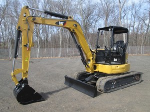 2016 Caterpillar 305.5E2 CR Mini Excavator