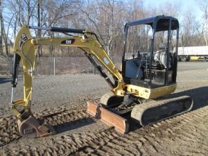 2015 Caterpillar 302.7D CR MIni Excavator