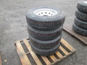 (4) Rainer ST225/75R15 Trailer Tires With Rims