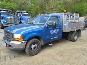 2001 Ford F-350 XL Flatbed Truck