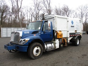 2011 International 7400 S/A Garbage Truck