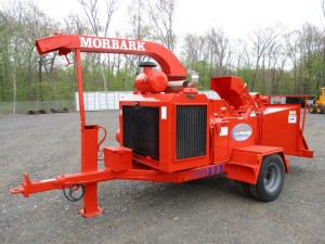 1999 Morbark 2400 Tow Behind Wood Chipper