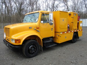 1999 International 4700 S/A Fuel/Lube Truck