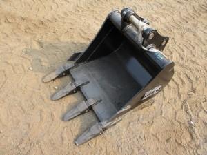 """24"""" Excavator Bucket With Teeth"""