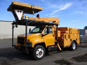 2005 GMC C7500 S/A Platform Truck
