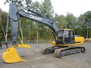 2000 John Deere 200LC Hydraulic Excavator