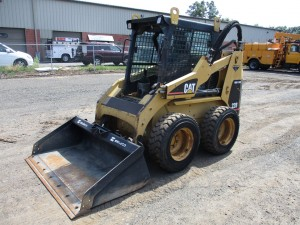 2000 Caterpillar 228 Skid Steer