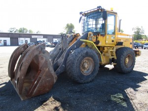 2001 Volvo L70D Rubber Tire Wheel Loader