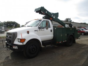 2004 Ford F-750 XL S/A Bucket Truck